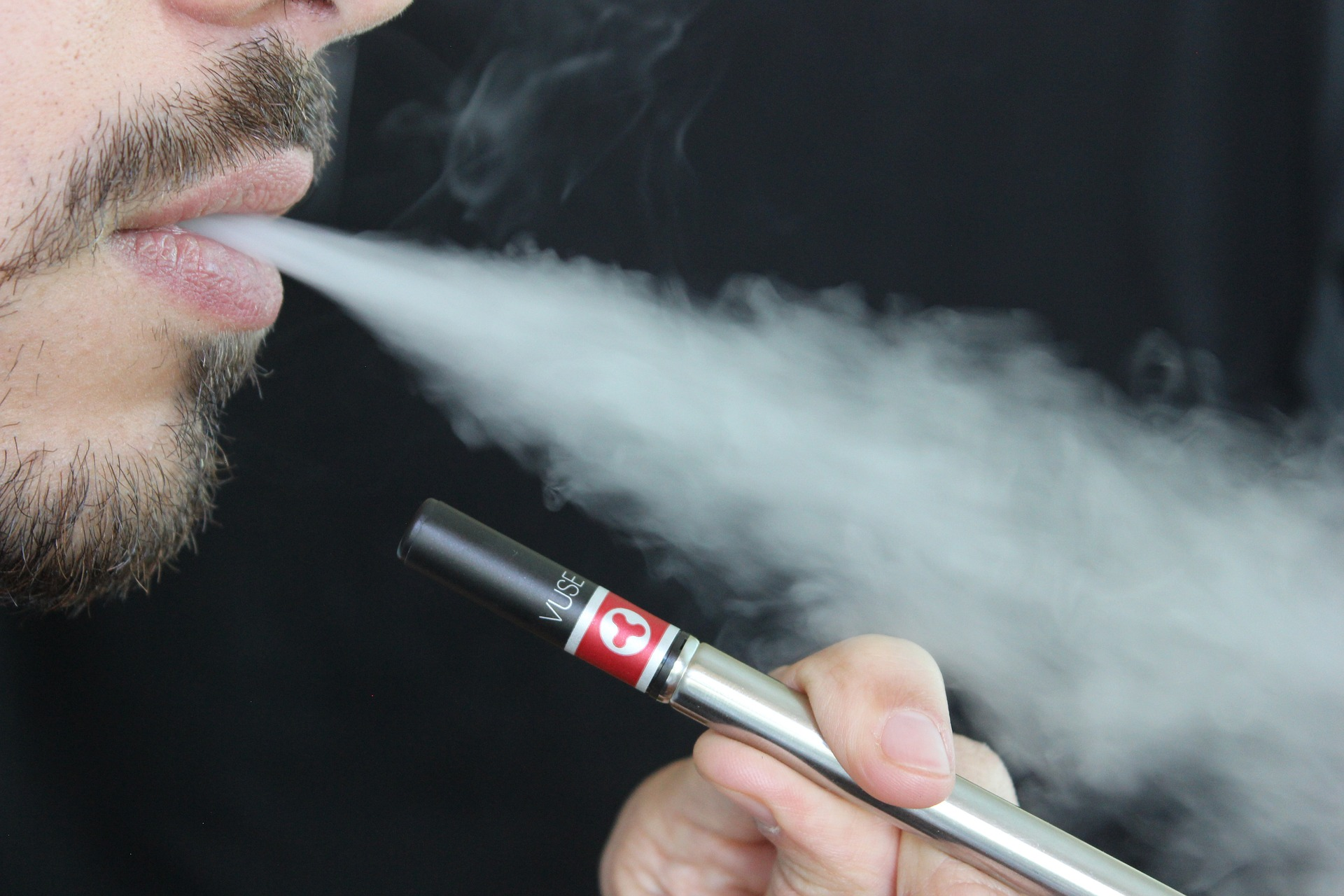 e-cigarettes-threaten-smoke-free-campaign-successes